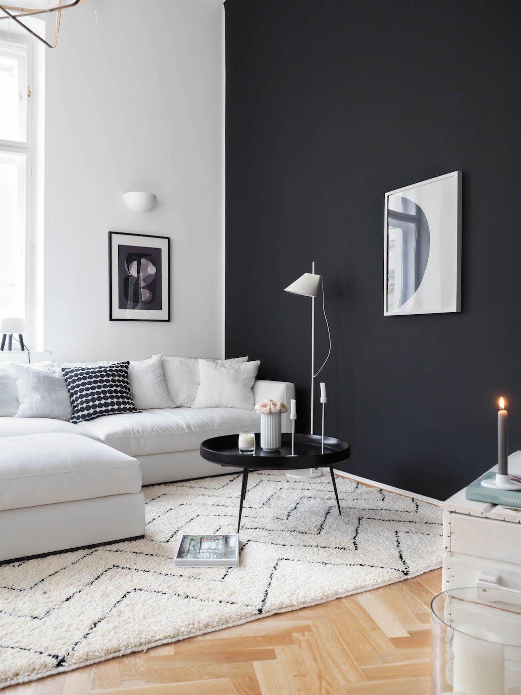 salon minimaliste scandinave blanc noir marron bois parquet textile peinture budget d co style. Black Bedroom Furniture Sets. Home Design Ideas