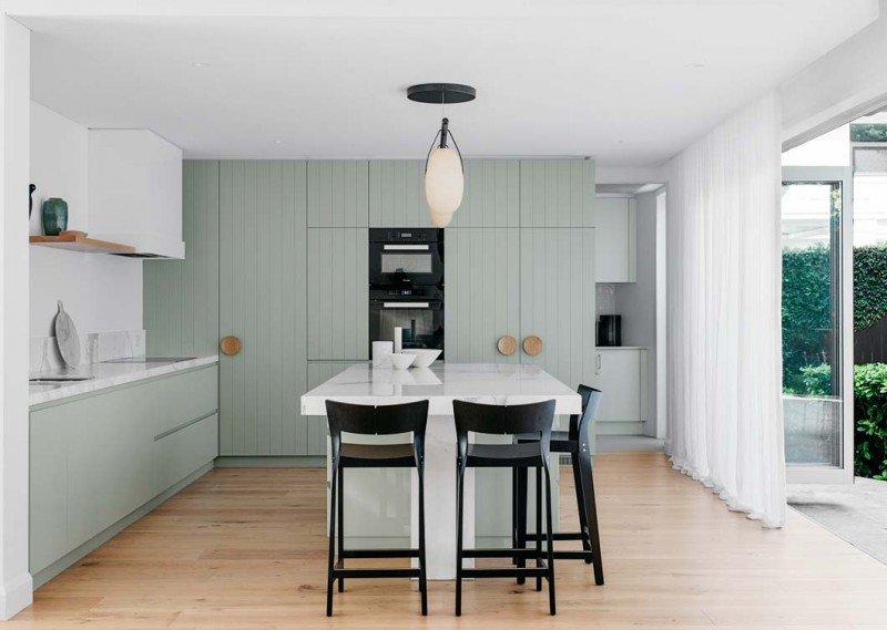 Cuisine Contemporain Vert,Blanc,Noir Marbre,Bois: budget déco style ...