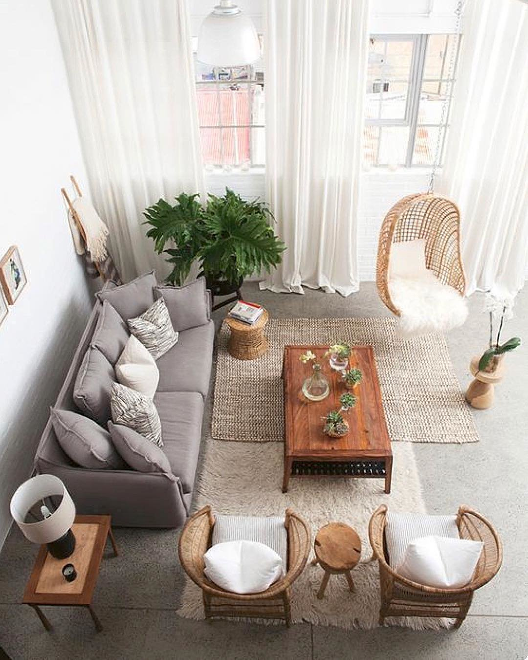 Salon salon séjour scandinave bohème blanc gris noir béton ciré bois chêne osier rotin textile