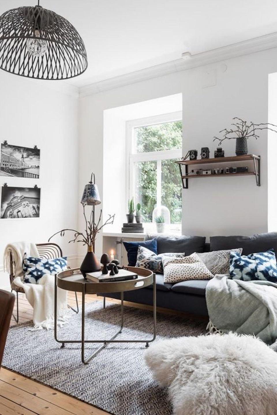 Salon scandinave vintage bleu blanc noir gris beige bois m tal parquet textile rotin budget - Salon beige et noir ...