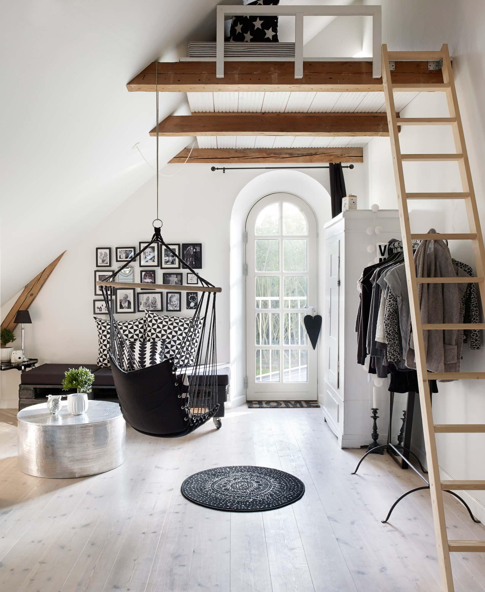Hall d'entrée scandinave blanc bois