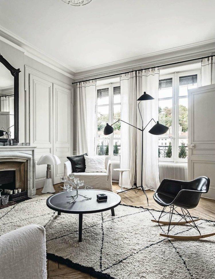 Intégrer dans un appartement de type haussmannien, un mobilier contemporain