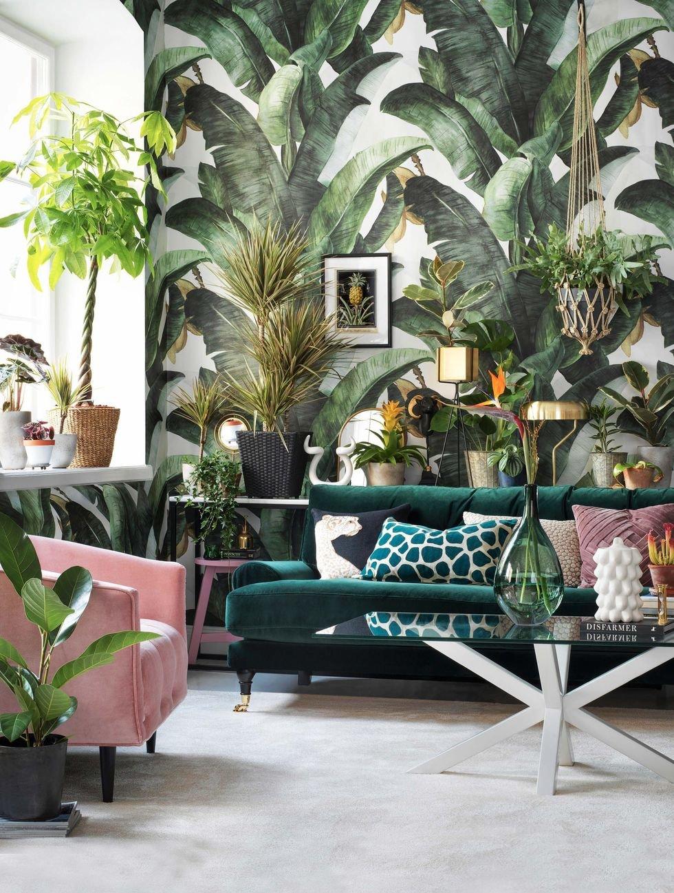 Salon nature exotique vert rose blanc marron beige doré bois papier peint textile velours verre moquette miroir