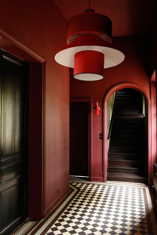 hall d entr e classique rouge peinture carrelage bois inspiration style classique. Black Bedroom Furniture Sets. Home Design Ideas