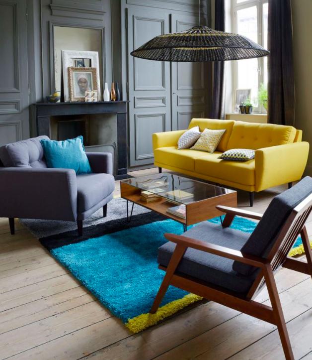 Salon contemporain jaune et bleu