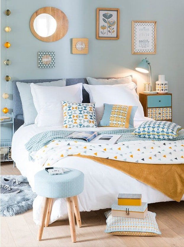 chambre scandinave graphique jaune bleu gris textile bois inspiration style scandinave. Black Bedroom Furniture Sets. Home Design Ideas
