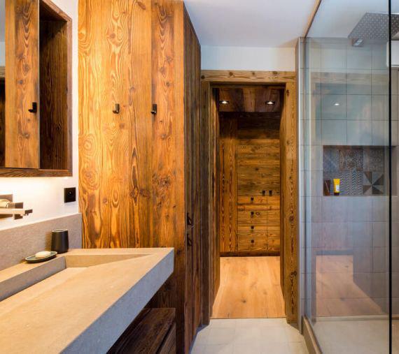 Salle de bain dans un chalet